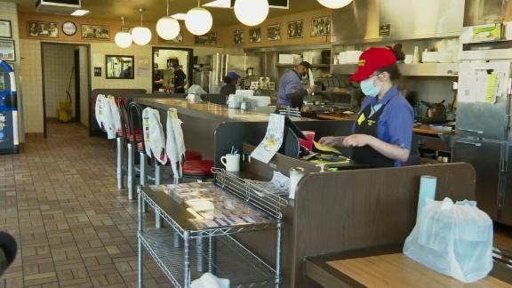 200430100341-restaurant-workers-coronavirus-live-video-8